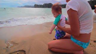 [6ヶ月赤ちゃん]初めての海水浴でビックリ!◎ ◎; thumbnail