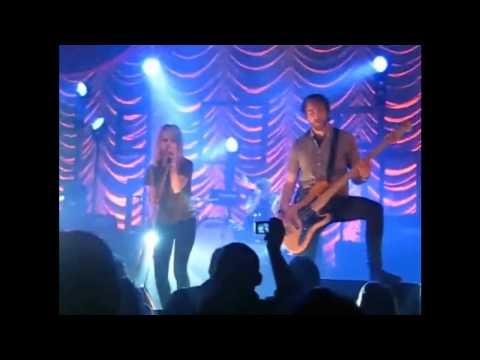 PARAMORE-Brand New Eyes TOUR,2009 [FULL PERFORMANCE]