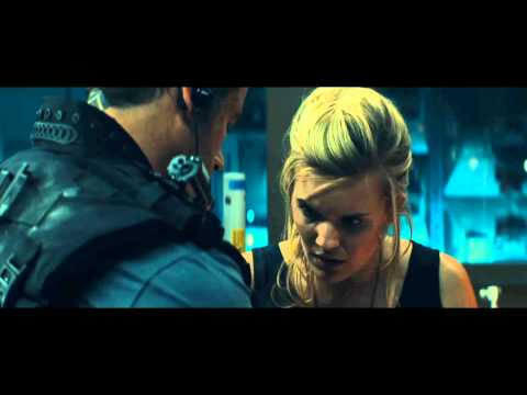 """Lockout Movie Clip """"What Is That?"""" Official 2012 [HD] - Guy Pearce"""