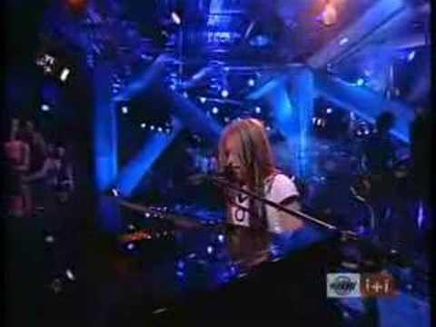 Avril Lavigne - Forgotten
