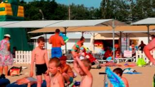 Анапа лето 2015 фото видео на сайте http://www.welcometoanapa.ru(Анапа лето 2015 фото видео на сайте http://www.welcometoanapa.ru море пляж и люди на отдыхе., 2015-06-12T00:10:32.000Z)