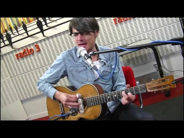 Tiny Legs Tim - 'Death Of A Parasite' live at Radio 3