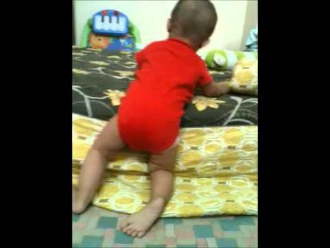 10 Month-old-baby Technique:how to Get Off The Bed.wmv