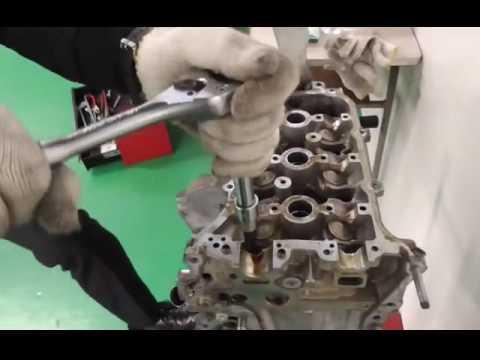 エンジン整備動画2(シリンダヘッド取り外し)Engine maintenance videos of Daihatsu(Japanese car)