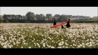 Repeat youtube video Michelle & Isabelle - Der Spielfilm - Jetzt auch als Roman!