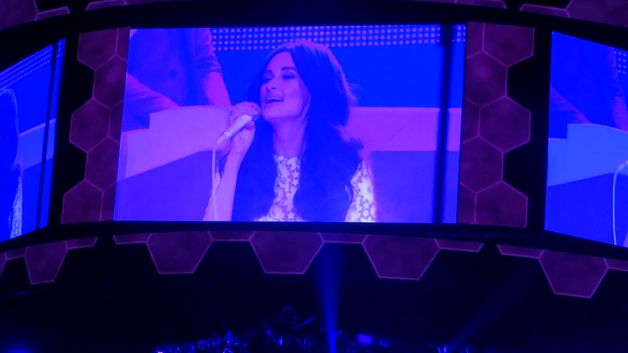 Como La Flor Kacey Musgraves At Rodeo Houston Youtube