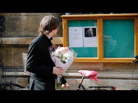 British public, media mourn Stephen Hawking