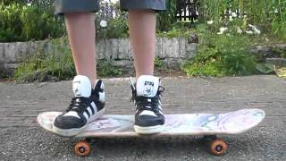 Beginner Skateboarding Tricks : Pop Shuvit Tutorial