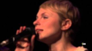 "Kat Edmonson - ""Long Way Home"" (eTown webisode #333)"