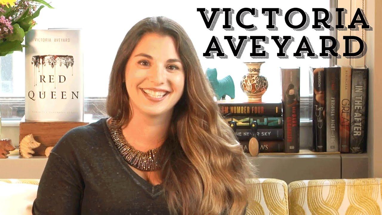 Victoria Aveyard: Lebenslauf, Bücher und Rezensionen bei LovelyBooks