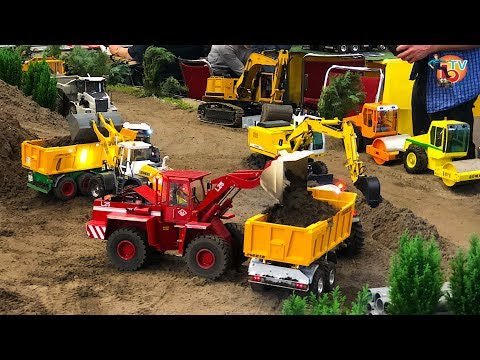 BRUDER TOYS RC TRUCK and TRACTOR in Construction site
