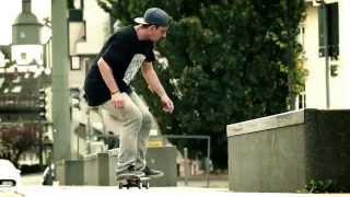 Adrian Hirt // bs Tailslide bs Casperflip off to fakie