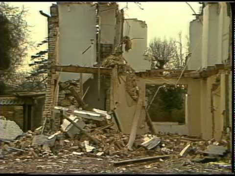 HOUSES : Demolition : neighbours Law