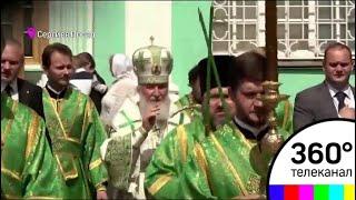 Тысячи верующих собрались в Троице-Сергиевой лавре