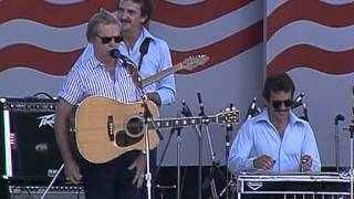 George Jones - The One I Loved Back Then (Live at Farm Aid 1986)