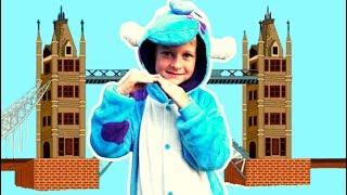 London Bridge song Tawaki pretend play  nursery rhymes &kids song