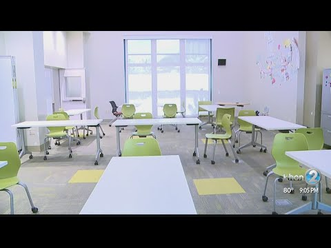 Mid Pacific Institute gives a look into what the return to school looks like