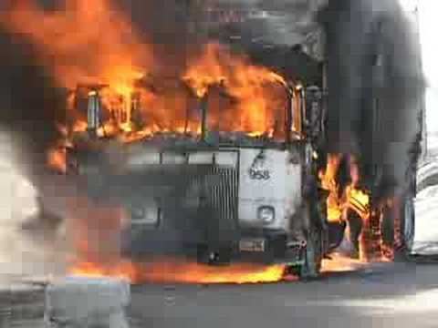 garbage truck fire - YouTube
