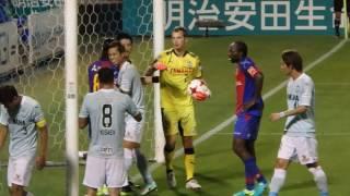 後半、太田のCKからゴール前の混戦。周囲は「入ってる!」の声が多いで...