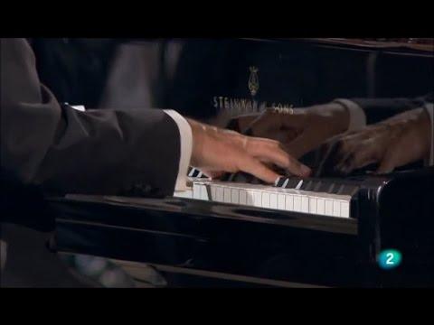 Sergei Rachamninov - Rhapsody on a Theme of Paganini / Joaquín Achúcarro . OSRTVE . Eliahu Inbal