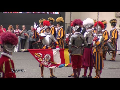 Vaticano 200 - 2015-05-17 - 32 New Swiss Guards