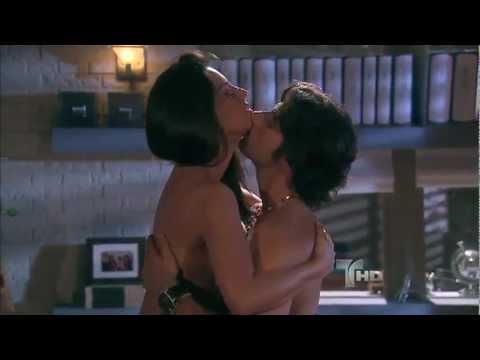 Más Sabe el Diablo | Jencarlos Canela y Gaby Espino hacen el amor | Telemundo