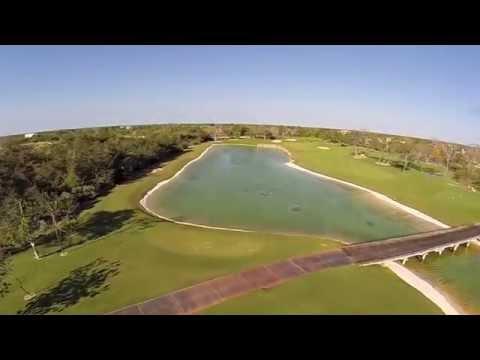 Sobrevolando y golf en Yucatán Country Club