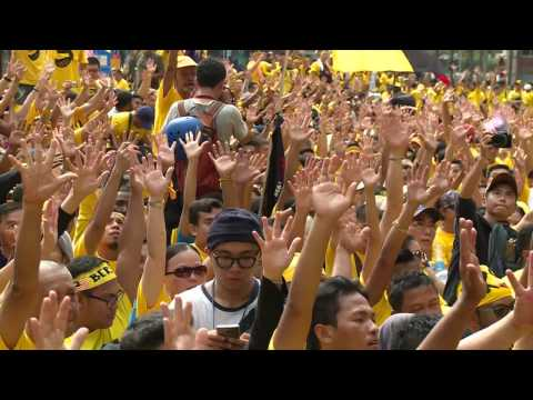Thousands demonstrate against Malaysia PM