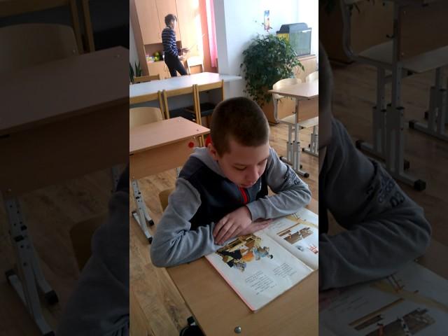 Изображение предпросмотра прочтения – ИгорьЖужгов читает произведение «Кем быть?» В.В.Маяковского