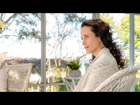 Cast Interviews - Andie MacDowell - The Beach House