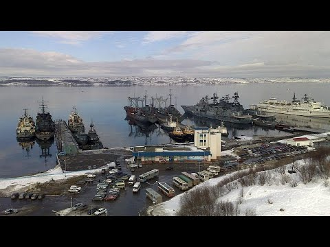 Russia submarine fire: Blaze on defence ministry vessel kills 14