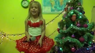 Новогоднее поздравление. «Снежинка» Из к/ф 'Чародеи' поет Ледянкина Элина