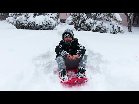 Kayak Pisti Yaptık Kızakla Kayarak Test Ettik - Oyuncak Abi & Kerem Vlog