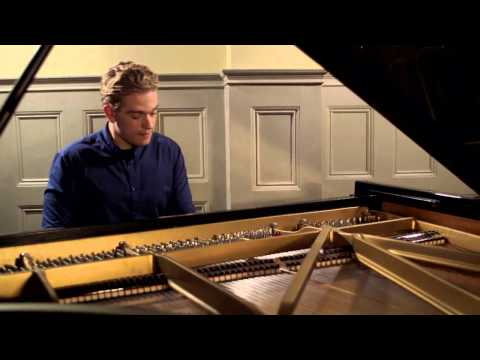 Joseph Moog - Intimate performance of Liszt's Valse Mélancolique