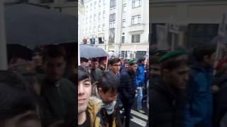 Красни плашад таджики