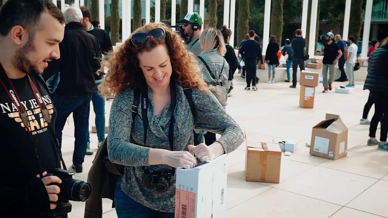 חבילות נופלות מהשמיים, בלב תל אביב