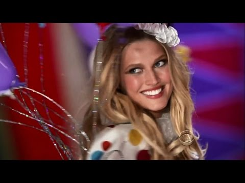 Toni Garrn Victoria's Secret Runway Walk Compilation 2011-2013 HD