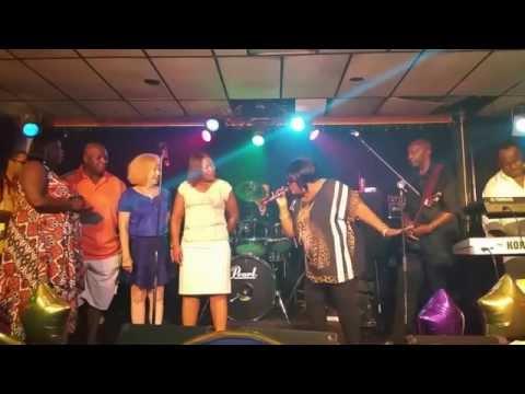 Kendra Glenn sings soulful rendition of happy birthday!