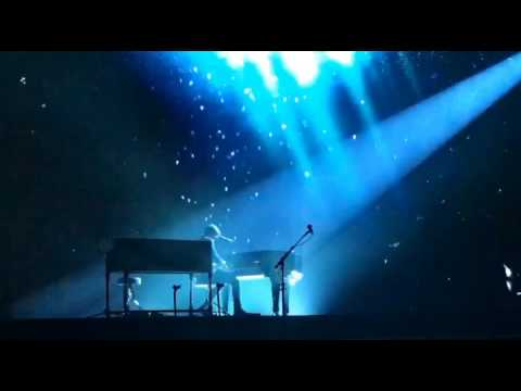 Shawn Mendes - Treat you better - Live at...