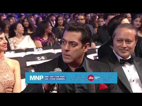 Shahrukh convinces Salman to port his number. Watch Salman react.