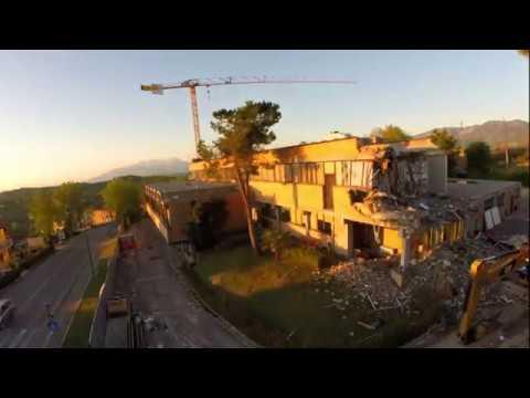 Timelapse Demolizione Brioni Roman Style Spa Penne Pe