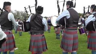 Ards 2014- Bleary & District Pipe Band - just a few tunes to warm up
