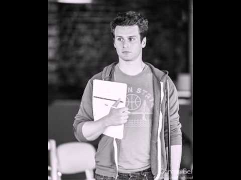 Jonathan Groff gets real about Looking