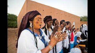 Touareg Tendé danse, Agadez, Niger 01