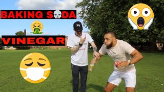 BAKING SODA AND VINEGAR CHALLENGE 2018!!!!
