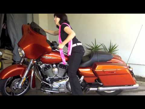 How to Stand up a Motorcycle - Harley Davidson Street Glide