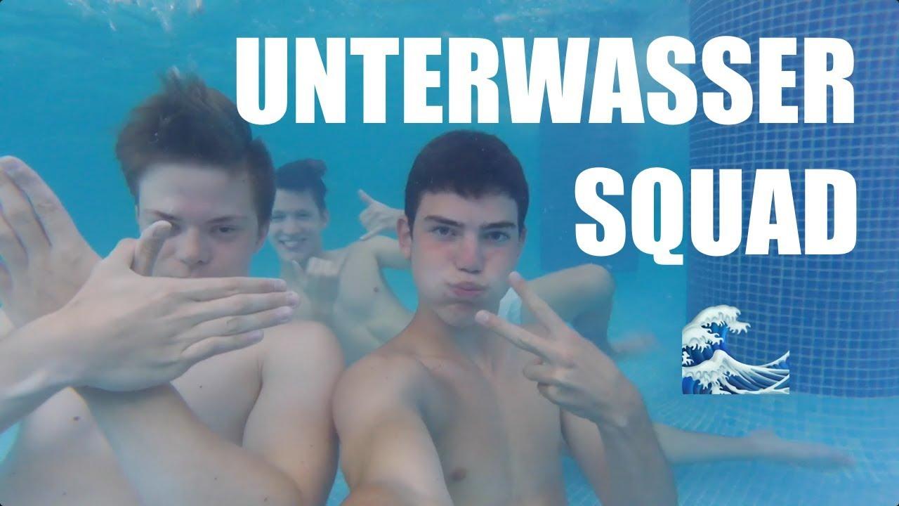 nackte jungs im schwimmbad