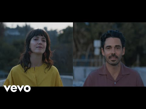 Смотреть клип Local Natives Ft. Sharon Van Etten - Lemon