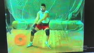 тренировочное упражнение Вадима Девятовского (снаряд весит 40кг)