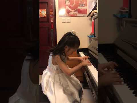 Champion 冠軍 2018 70th HKSMF Grade 1 Piano Piece, Op125 Ko 6 / Diabelli - 穎心